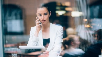 woman-on-phone-to-boss