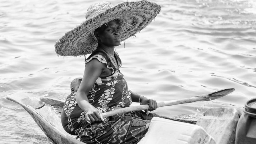 Lake-Chad-women-work-harder-due-to-climate-change