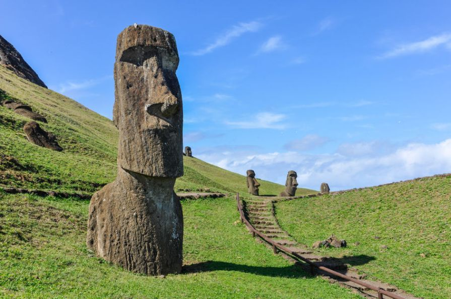 Easter_Island_Moai _Statues