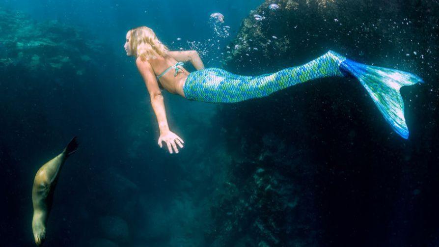 mermaid_as_party_entertainment