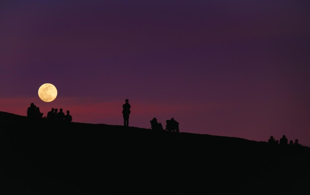 moon-horizon