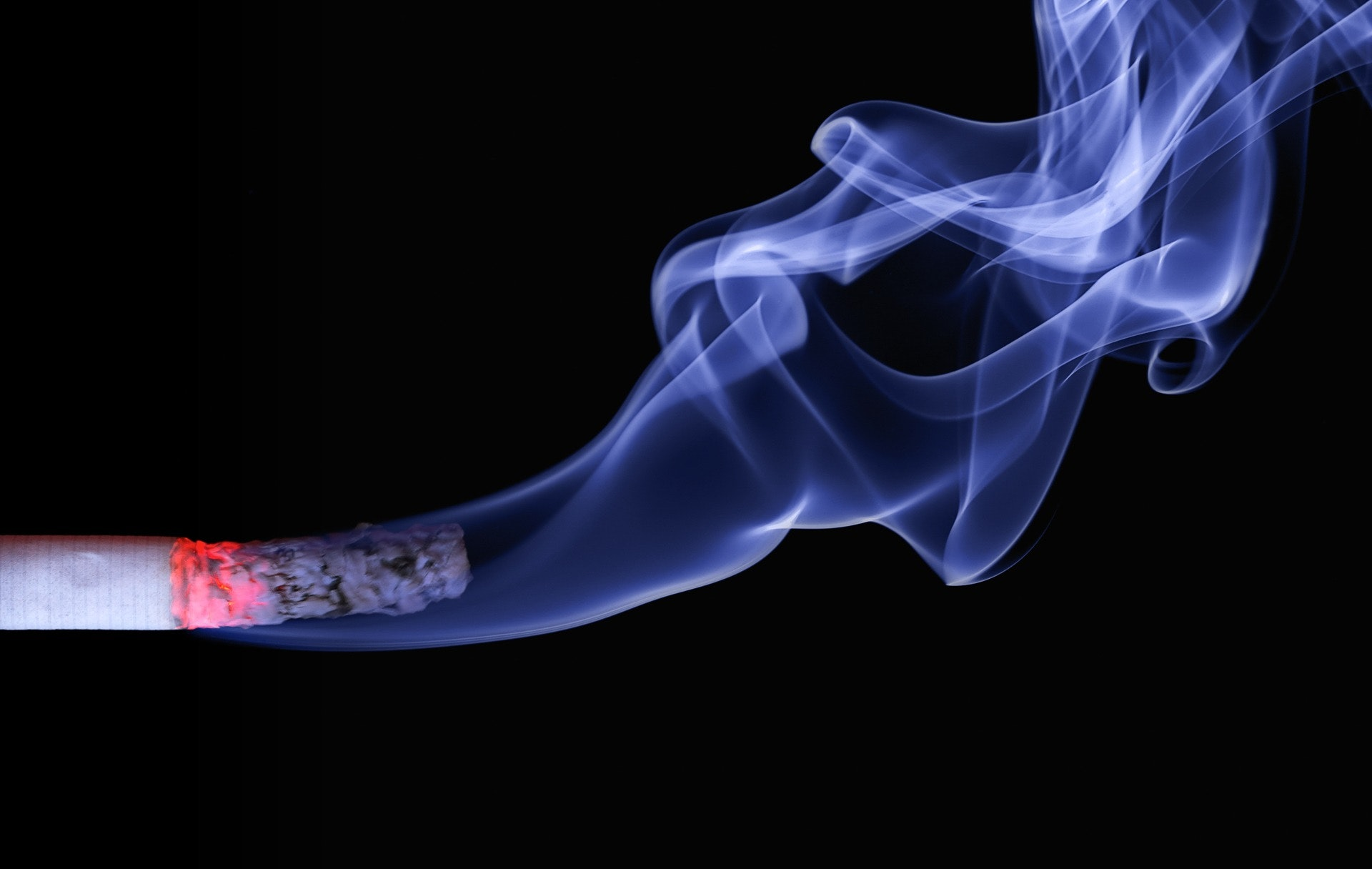 Smoking-related-to-hearing-loss