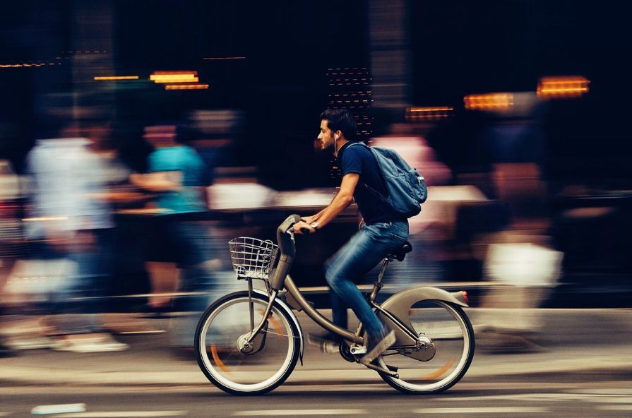 only_hands-free_on_cycle