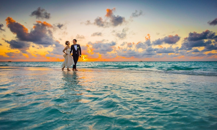 Now_elopements_are_destination_weddings_Asad_Photo/Pexels