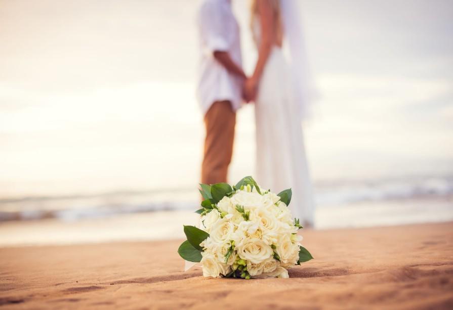 honeymoons_now_demand_professional photographers