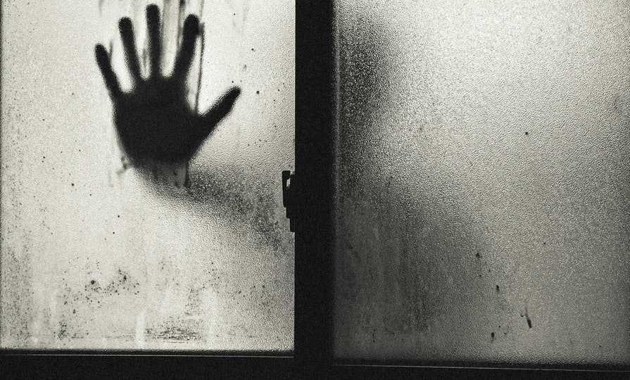 Spielberg_is_scripting_a _web_horror_series_to_be_seen_in_the_dark/pexels