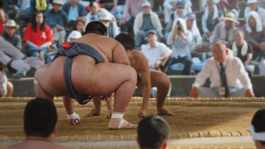 sumo_wrestlers_must_now_be_beardless