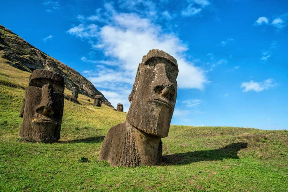The_Easter_Island_statues_are_getting_disfigured