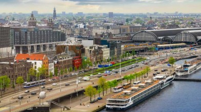 Amsterdam_set_to_ban_vehicles- powered_by_gas_from_city_by_2030
