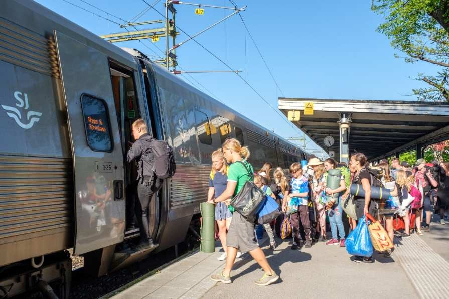 Swedes_are_opting_for_trains_rather_than_flights